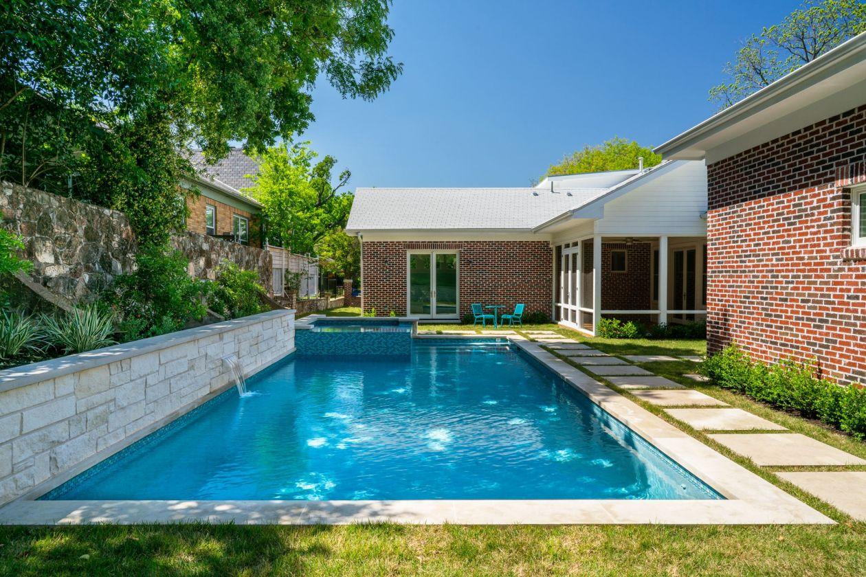 Large Backyard Residential Pool