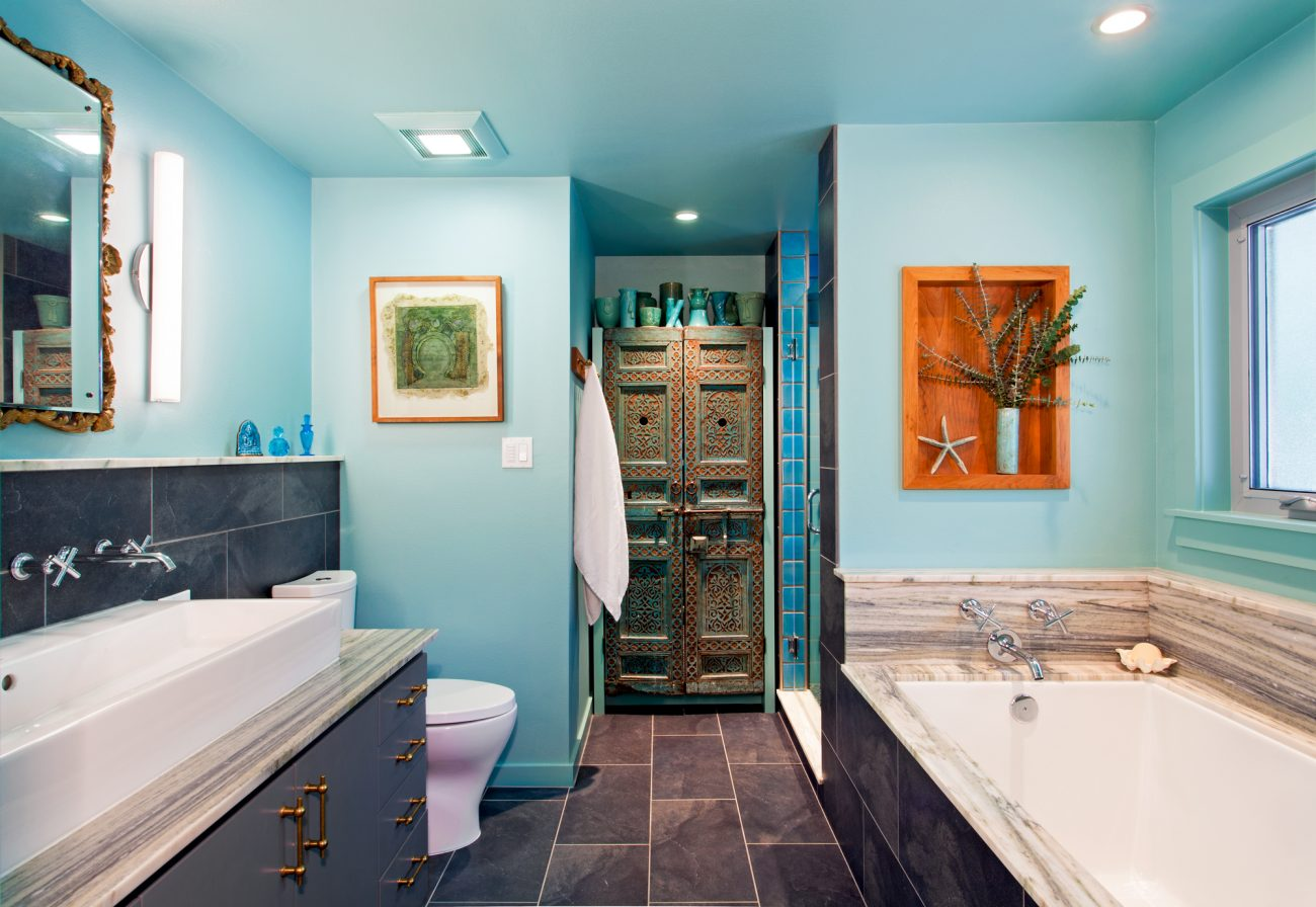 Moroccan Accent Bath